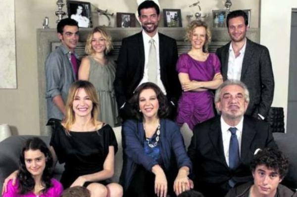 una-grande-famiglia-cast